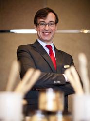 La Asociación Española de Directores de Hotel nombra a Antonio Teijeiro delegado de la entidad en Asia