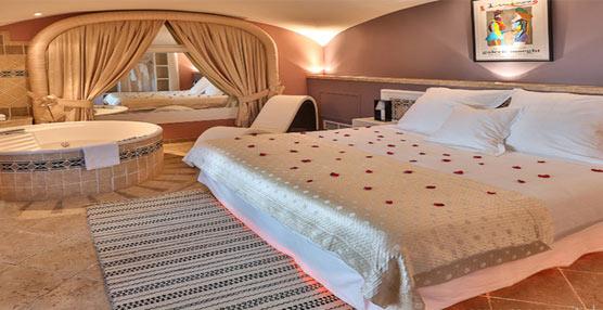 Margarita Bonita Room del Hotel Ostella lleva la propuesta de habitación para parejas hasta la isla de Córcega