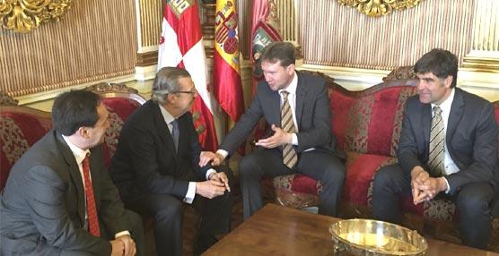 Miembros de OPC España visitan Burgos de cara a conocer la ciudad que será sede de su próximo congreso anual en 2016
