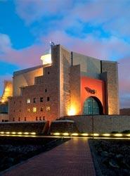 El Palacio de Congresos de Canarias acoge unas jornadas nacionales sobre el tratamiento del cáncer