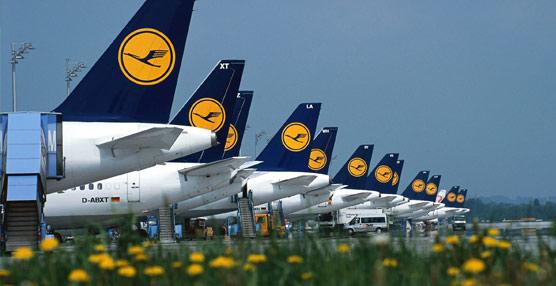 El grupo Lufthansa deja atrás las pérdidas y gana 425 millones de euros en los tres primeros meses del año