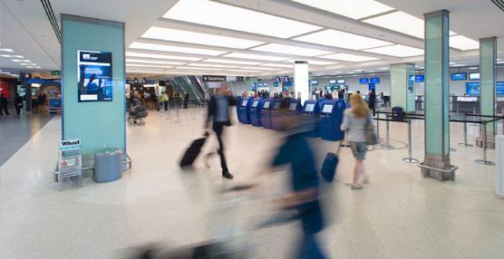El tráfico aéreo ha vuelto a experimentar un fuerte avance interanual del 7,4% en marzo.