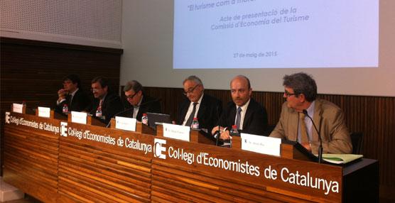 Un debate en torno al Sector acompaña al acto de presentación de la Comisión de Economía del Turismo