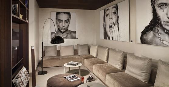 ME by Meliá expone la obra del fotógrafo español de moda Alberto Van Stokkum en el ME Milán Il Duca