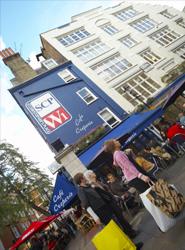 Gran Bretaña roza los dos millones de turistas procedentes de España en 2014, la cifra más alta desde 2009