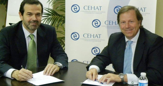 La empresa ST Sociedad de Tasación y CEHAT firman un acuerdo para facilitar servicios de valoración al negocio hotelero