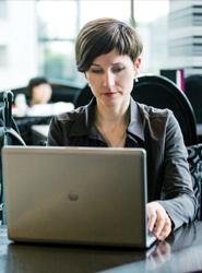 La distribución online de las agencias sube un 8,3%.