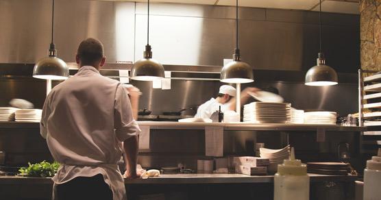 El poliglotismo, la demanda de cocineros y los cambios en los cruceros, claves en la búsqueda de empleo este año