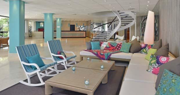 La marca Sol Beach House de Meliá y la firma textil Desigual anuncian un convenio de colaboración para sus hoteles