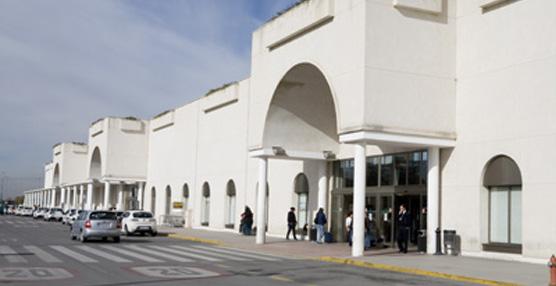 La mesa para la dinamización del aeropuerto de Granada analiza nuevas propuestas de desarrollo