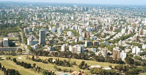 Uruguay acuerda con Iberia aumentar un 23% los vuelos europeos a Montevideo