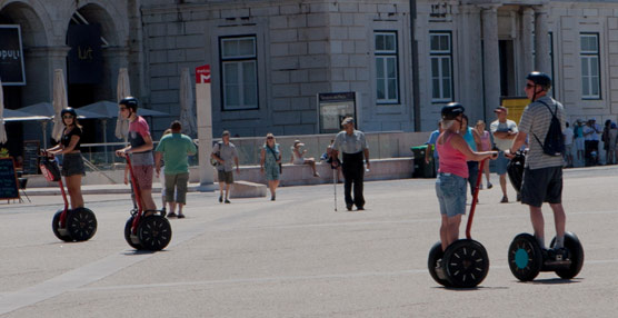 Las agencias británicas muestran su preocupación por el aumento de los turistas jóvenes que viajan sin seguro al extranjero