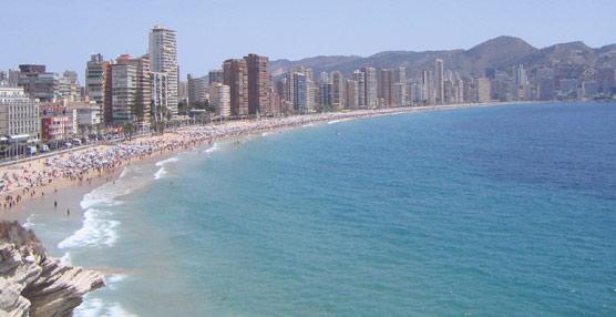 Los hoteleros de la Costa Blanca se muestran 'preocupados' por los viajes del Imserso debido a los retrasos en su licitación