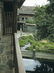 El turista rural sigue valorando más el trato y el confort por encima del precio y las instalaciones, según un estudio de clubrural.com