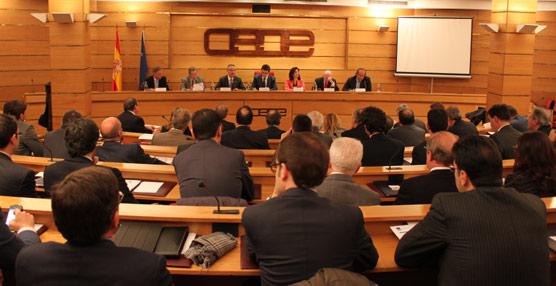 CEOE y CEAV respaldan a CEHAT y abogan por fijar una hoja de ruta en Turismo al margen de signos políticos
