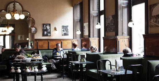 Booking te recomienda algunos de los rincones más históricos para tomar un buen café