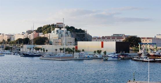 El Palacio de Congresos El Batel está ubicado en el puerto de Cartagena.