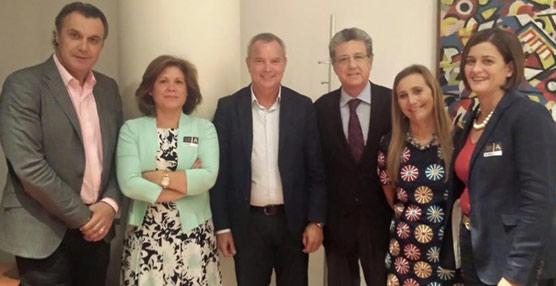CEAV busca apoyos entre los partidos políticos para intentar frenar la centralización de los viajes de la Administración del Estado
