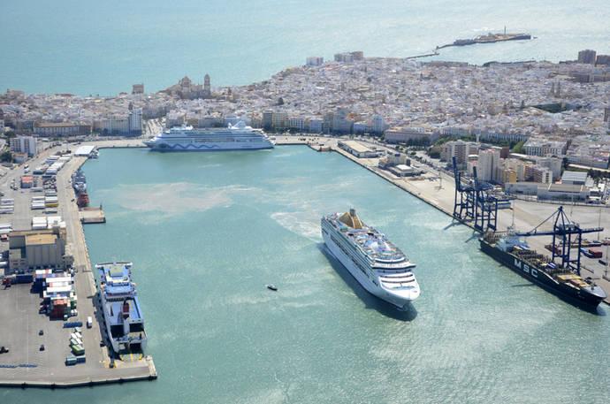El Turismo de cruceros remonta el vuelo en verano