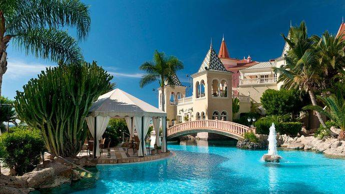 Bahía del Duque incorpora el restaurante NUB
