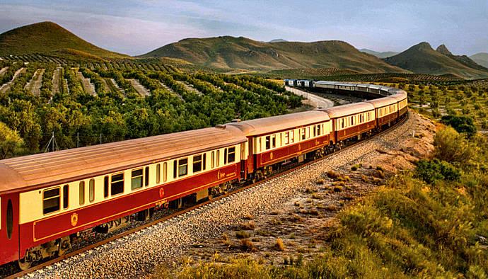 Renfe pone a la venta sus trenes turísticos para 2021