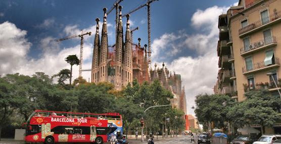 El Ayuntamiento de Barcelona retira 600 licencias a viviendas de uso turístico
