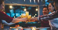 Booking se adentra en la tendencia de alojarse con anfitriones