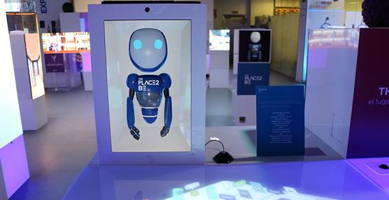 Robots y pulseras inteligentes, los nuevos compañeros de viaje en el hotel 4.0