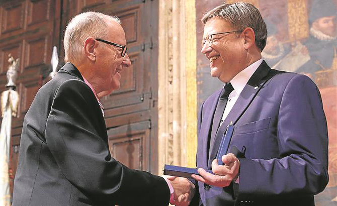 Enric Arenós consigue el Premio al Mérito Cultural