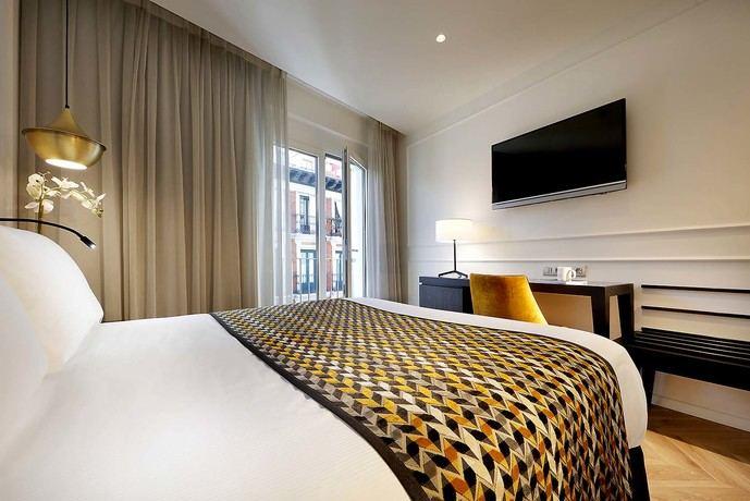 Las pernoctaciones en establecimientos hoteleros disminuyen un 86,5% en febrero