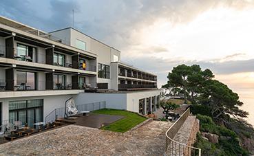 Paradores presenta el renovado Parador de Aiguablava en la Costa Brava