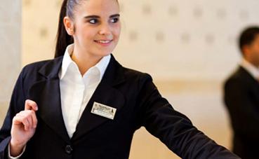 El turismo lidera la contratación laboral este verano
