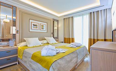 Barceló firma un acuerdo para la gestión de dos hoteles en Alicante