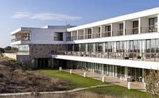 Paradores de Turismo abre los campos de golf en El Saler y Málaga