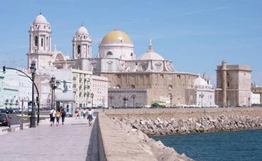 La ocupación en Cádiz cae casi 35 puntos en la primera quincena de julio