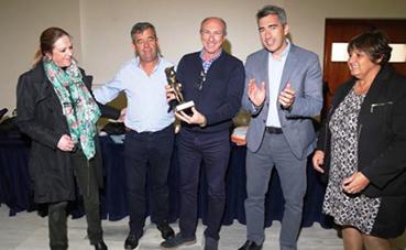 Aehcos recibe el reconocimiento del Ayuntamiento de Benalmádena