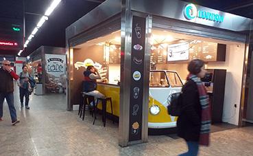 Ilunion lleva al intercambiador de Nuevos Ministerios un 'food truck'