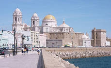 Hosteleros de Cádiz prevén una ocupación del 42,17% en julio
