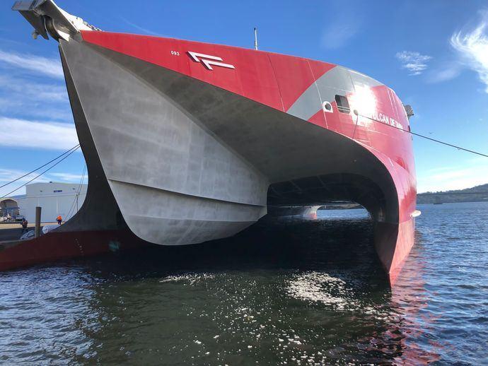 La naviera Armas Trasmediterránea se asienta en Canarias