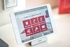 La tablet se utiliza para elegir los distintos ambientes.