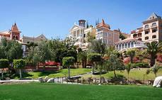 """Hotel Bahía del Duque recuerda a los turistas que """"el paraíso les esperará"""""""
