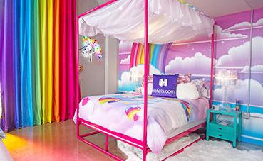 Hoteles.com crea una habitación inspirada en los años 90