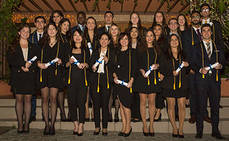 23 estudiantes de Les Roches Marbella investidos en la Fraternidad hotelera Eta Sigma Delta