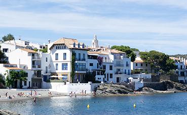 Rumbo.es regresa con una nueva apuesta de destinos de verano por España
