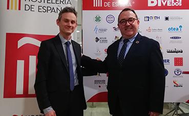 Repagas y Hostelería de España firman un convenio para trabajar en el progreso del Sector