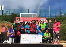 Momento de la entrega del donativo a favor de la Federación Salud Mental Cataluña.