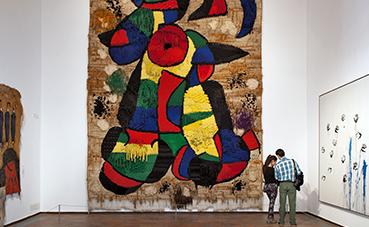 Majestic Hotel y la Fundació Joan Miró recaudarán fondos para restaurar un tapiz