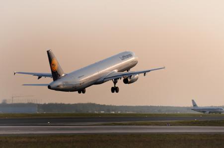 Lufthansa aumenta su facturación un 5% hasta junio