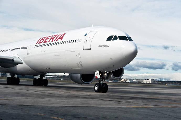 Iberia reduce a un tercio sus pérdidas operativas en la primera mitad de año