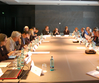 AMT se reúne con diplomáticos británicos en Madrid